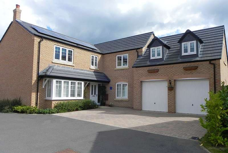 5 Bedrooms Detached House for sale in Chestnut Way, Bidford-on-Avon, Alcester, Warwickshire, B50 4GF