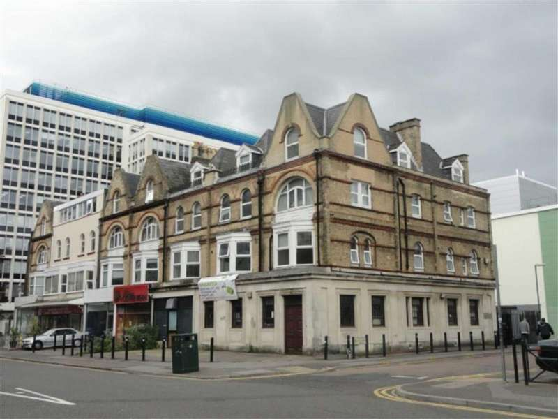 6 Bedrooms Flat for rent in Holdenhurst Road, STUDENTS Town Centre, Bournemouth, Dorset, BH8