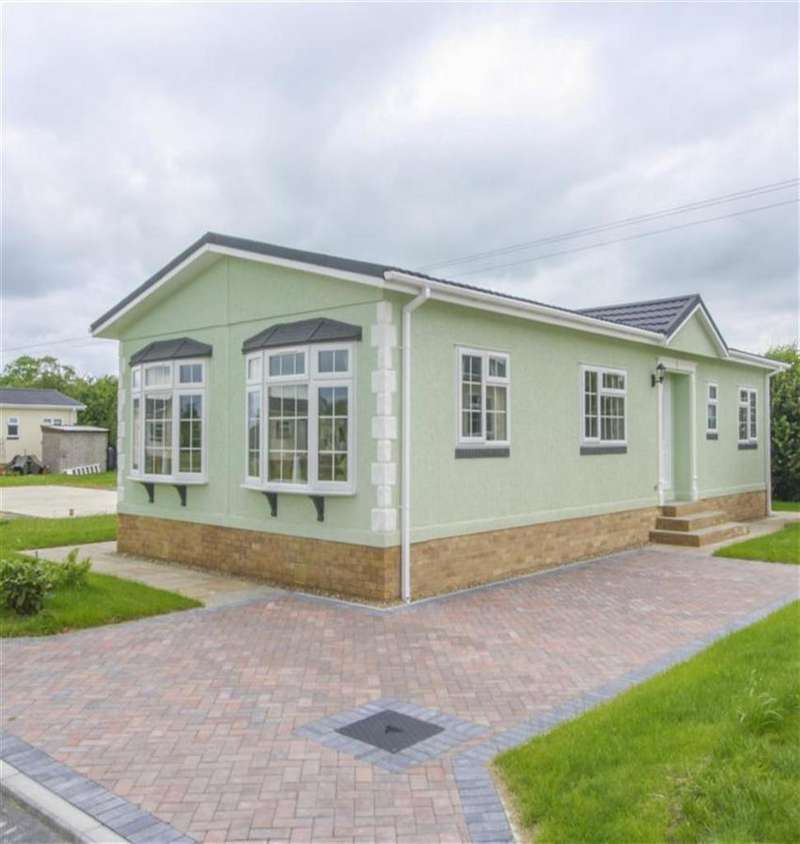 2 Bedrooms Park Home Mobile Home for sale in Minskip Road, York