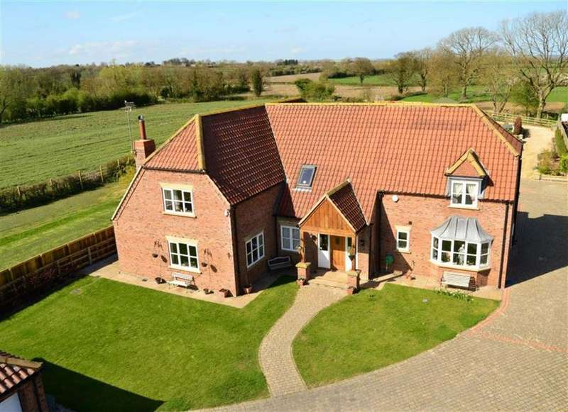 5 Bedrooms Detached House for sale in 21a Station Road, Hutton Cranswick
