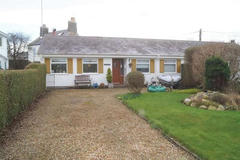 3 Bedrooms Semi Detached Bungalow for sale in Llwyn Gwalch Estate, Morfa Nefyn