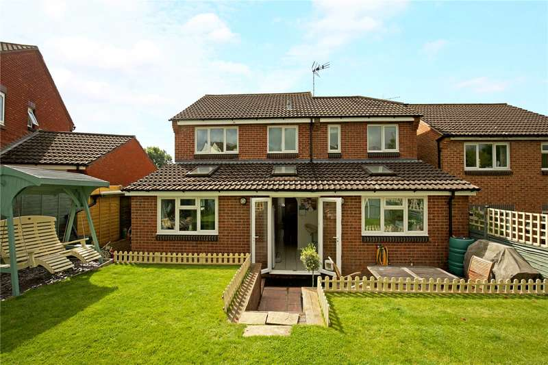 4 Bedrooms Detached House for sale in Windsor Close, Southwater, Horsham, West Sussex, RH13