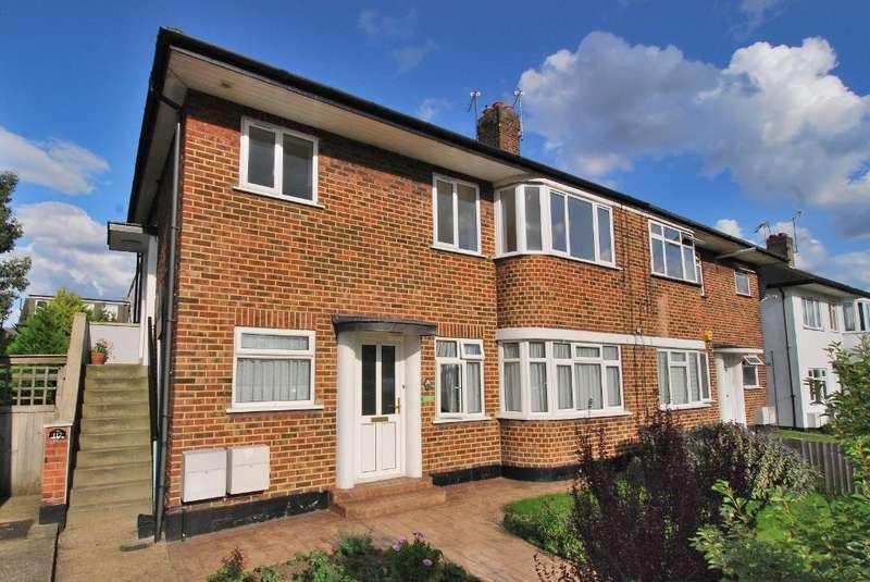 2 Bedrooms Flat for sale in Cavendish Avenue, Ealing, London, W13 0JN
