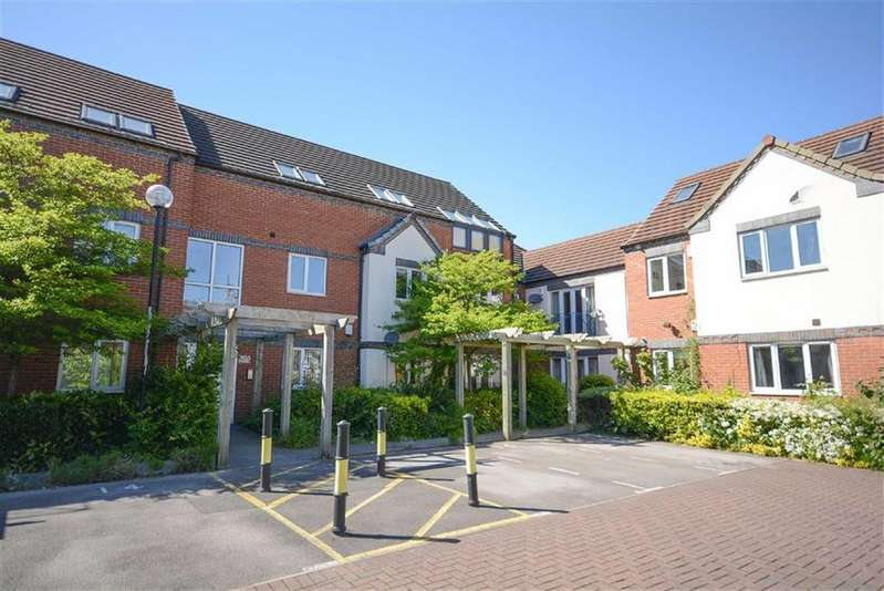 2 Bedrooms Apartment Flat for sale in Edward Court, West Bridgford