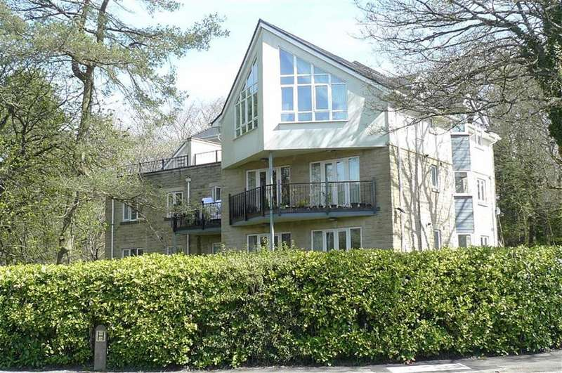 3 Bedrooms Apartment Flat for sale in Brown Edge Road, Buxton, Derbyshire