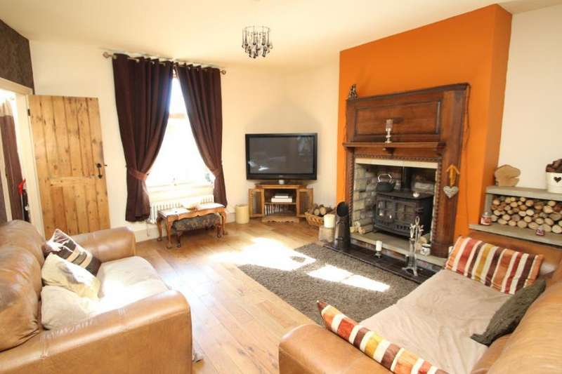 2 Bedrooms Cottage House for sale in CLIFFE VIEW, FLAPPIT SPRINGS, KEIGHLEY, BD21 5QB