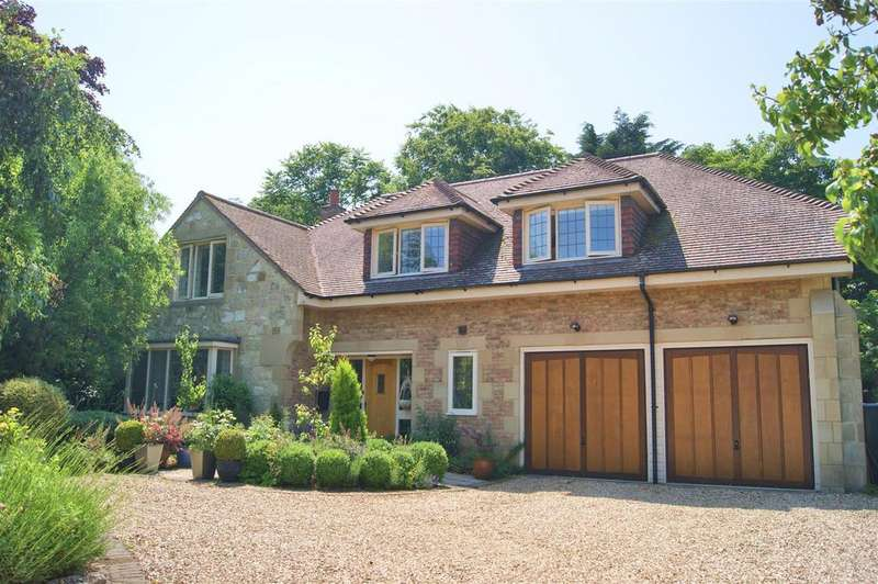 4 Bedrooms House for sale in High Street, Godshill