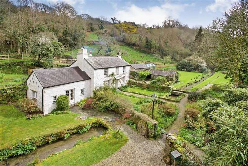 5 Bedrooms Detached House for sale in Lanteglos, Fowey, Cornwall, PL23