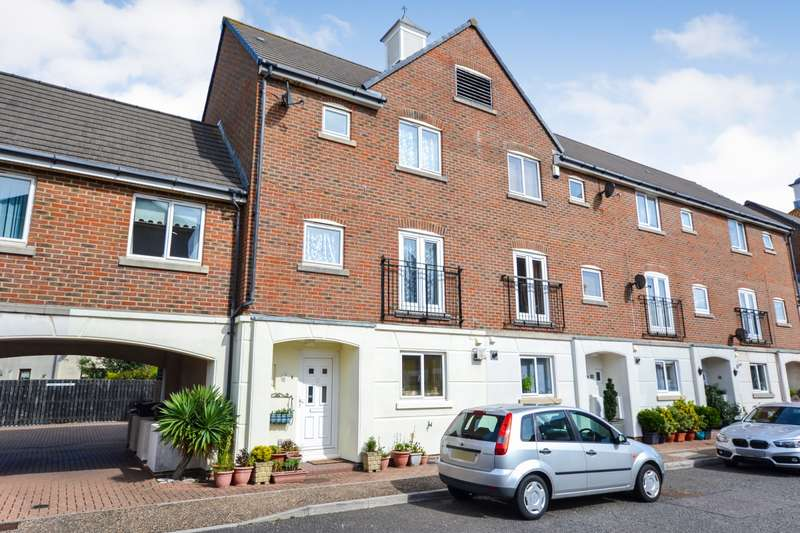4 Bedrooms House for sale in Leeward Quay, Sovereign Harbour South, Eastbourne, BN23