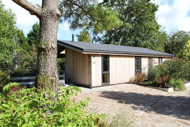 2 Bedrooms Detached Bungalow for sale in Palstone Lodges