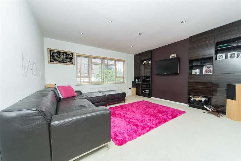 2 Bedrooms Flat for sale in Greystoke Gardens, Ealing, London