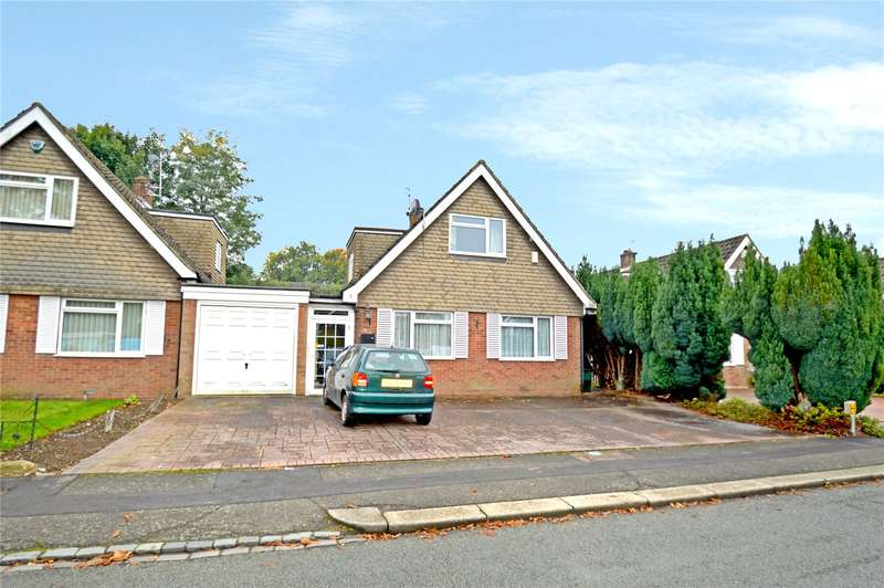 3 Bedrooms Detached Bungalow for sale in Knighton Close, South Croydon, Surrey