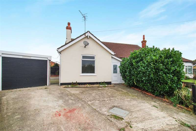 2 Bedrooms Bungalow for sale in Lancastria, South Crescent, Chapel St Leonards, Skegness