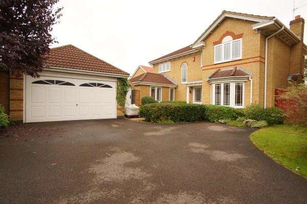 4 Bedrooms House for sale in Wincanton Close, Downend, Bristol, BS16 6SW