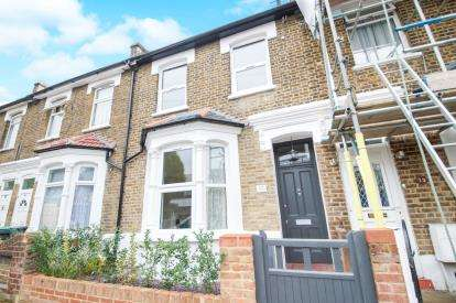 3 Bedrooms Terraced House for sale in Trulock Road, London
