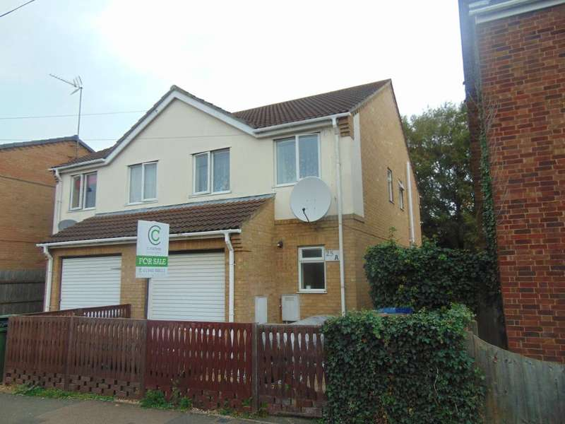 3 Bedrooms Semi Detached House for sale in Albany Road, Wisbech, Cambs, PE13 3AY