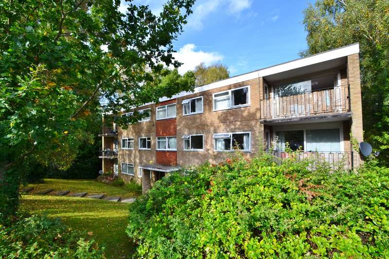3 Bedrooms Flat for sale in Bassett Green
