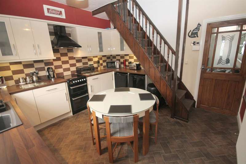 2 Bedrooms Terraced House for sale in Moorfield Grove,Tonge Moor, Bolton, BL2 2LQ