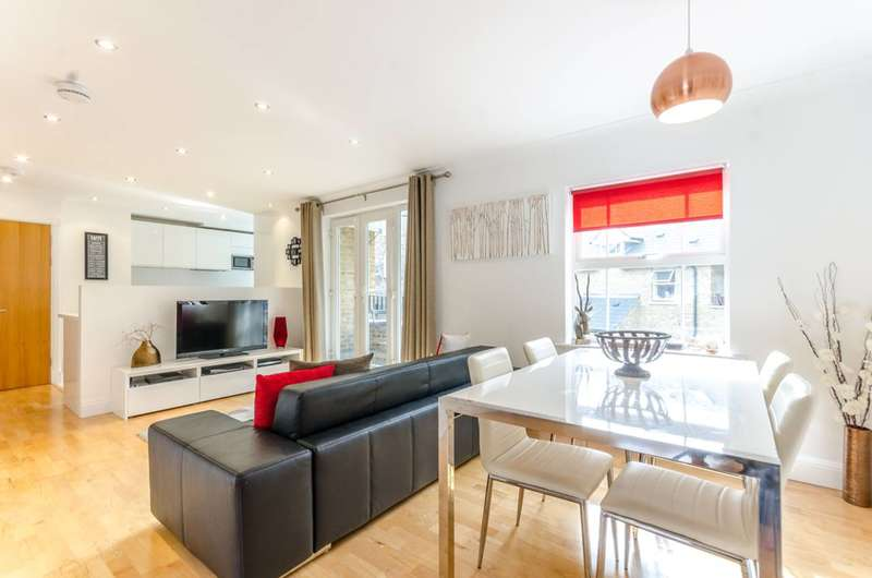 2 Bedrooms Flat for sale in Sapphire Court, Tower Hill, E1