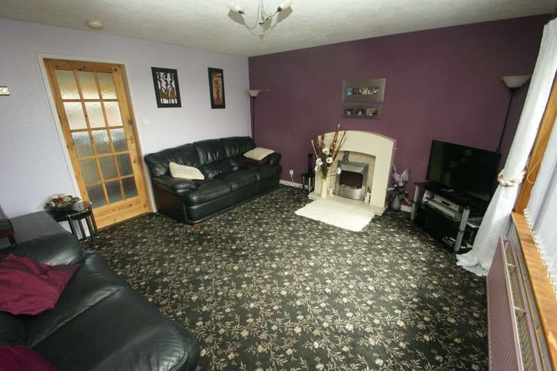 3 Bedrooms Semi Detached House for sale in Captain Gray Place, Peterhead, Aberdeenshire, AB42