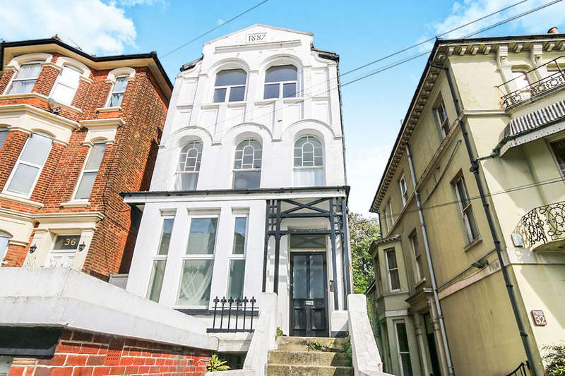 2 Bedrooms Flat for sale in Baldslow Road, Hastings, TN34