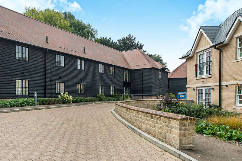2 Bedrooms Flat for sale in Woodville Court Mote Park, Maidstone, ME15