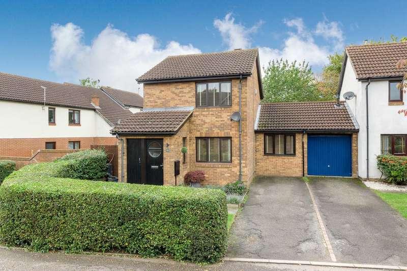 3 Bedrooms Detached House for sale in Gardiner Court, Blue Bridge