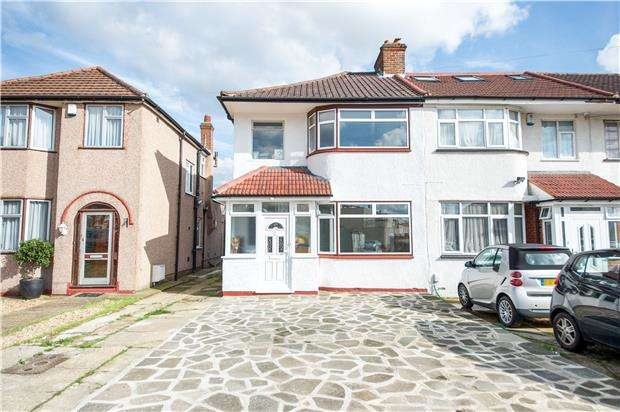 3 Bedrooms End Of Terrace House for sale in Lawrence Crescent, EDGWARE, Middlesex, HA8 5PB