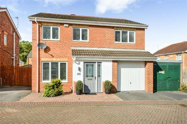 4 Bedrooms Detached House for sale in Northfield Grange, South Kirkby, Pontefract, West Yorkshire
