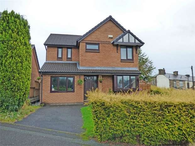 4 Bedrooms Detached House for sale in Acrefield, Padiham, Burnley, Lancashire