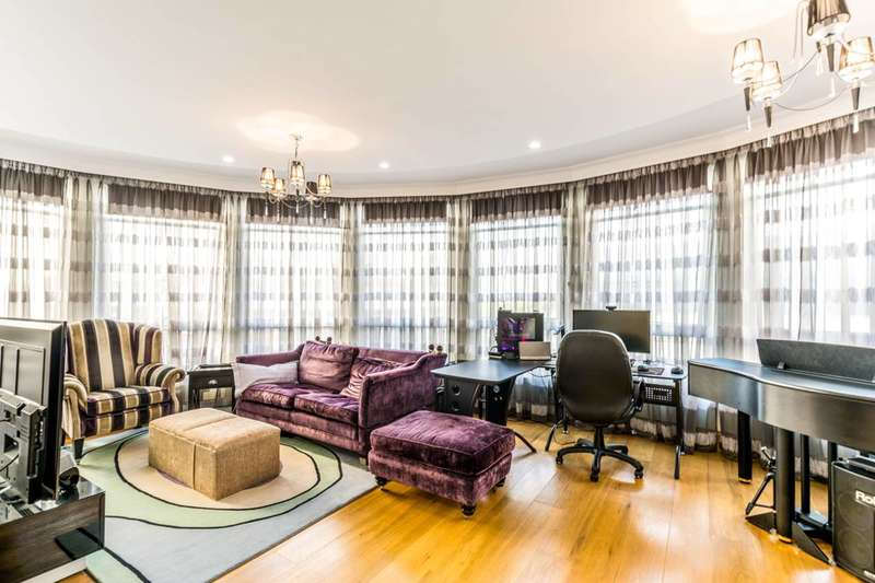 3 Bedrooms Flat for sale in Marsham Street, Westminster, SW1P