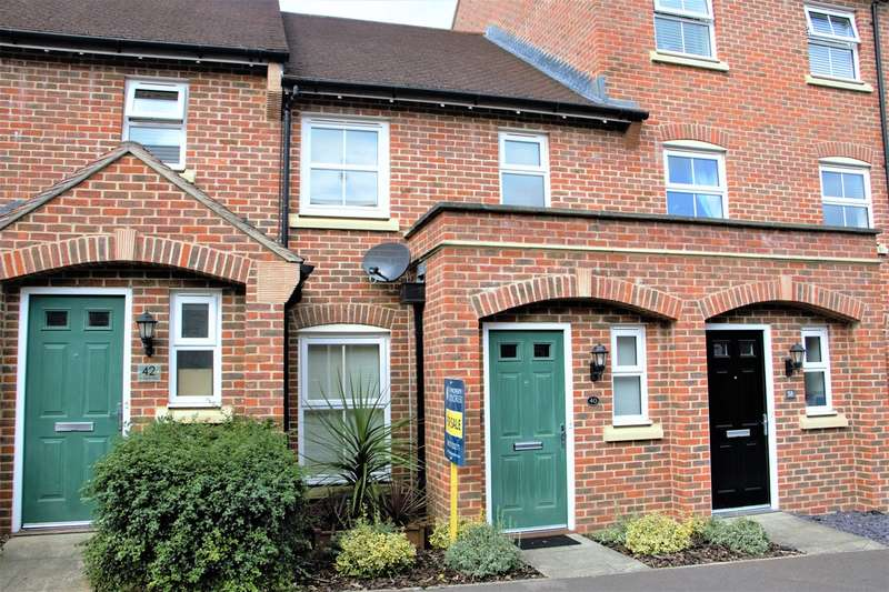 2 Bedrooms Terraced House for sale in Avington Way, Sherfield-on-Loddon, Hook, RG27