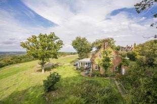 3 Bedrooms Detached House for sale in Rock Hill, Staplecross, Robertsbridge, East Sussex