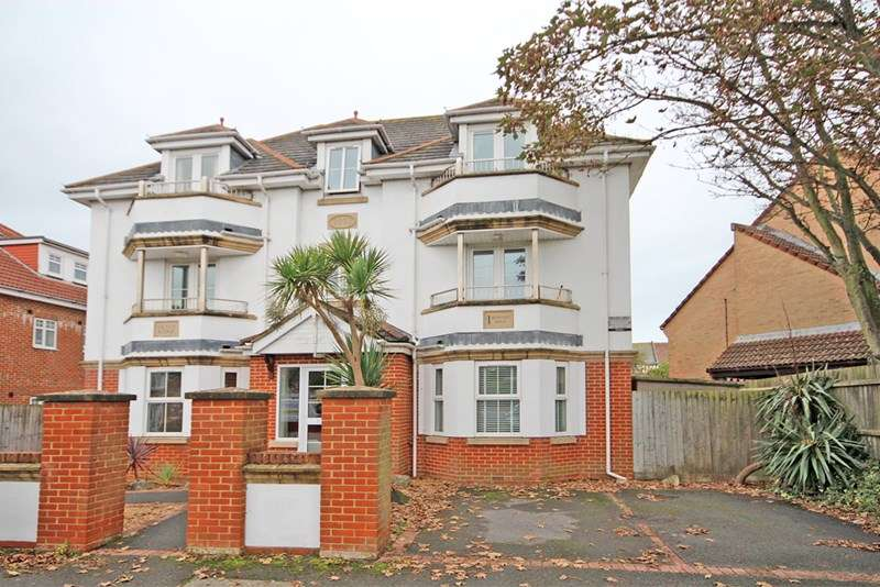 2 Bedrooms Apartment Flat for sale in Burtley Road, Southbourne, Bournemouth