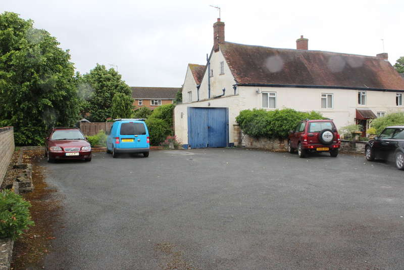 3 Bedrooms Semi Detached House for sale in Merstow Place, Evesham