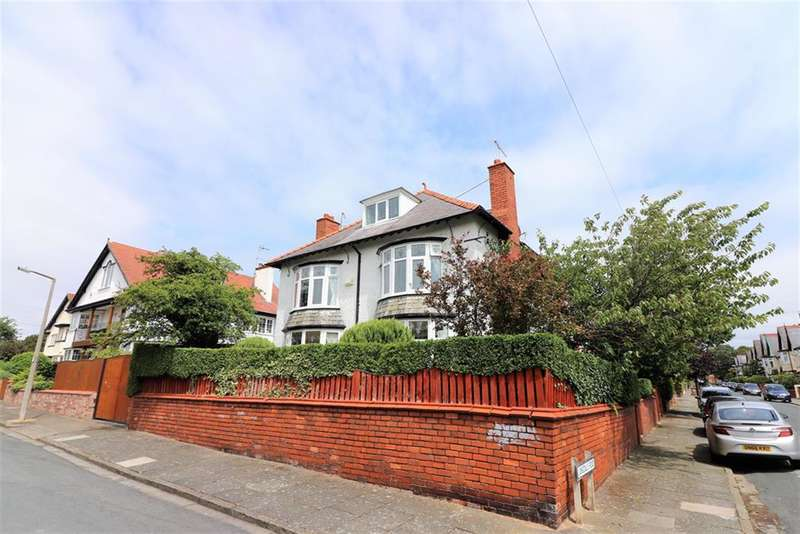 5 Bedrooms House for sale in Langdale Road, Wallasey, CH45 0LT