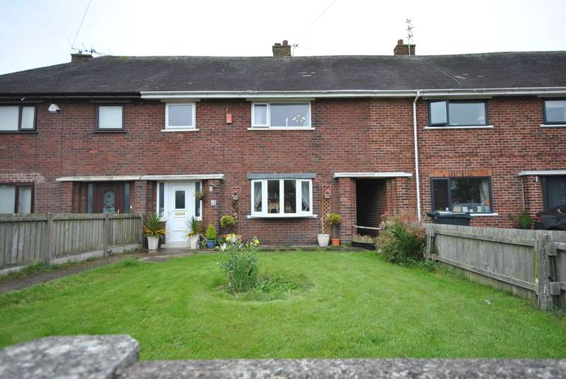 3 Bedrooms Terraced House for sale in Walter Avenue, Lytham St Annes, FY8