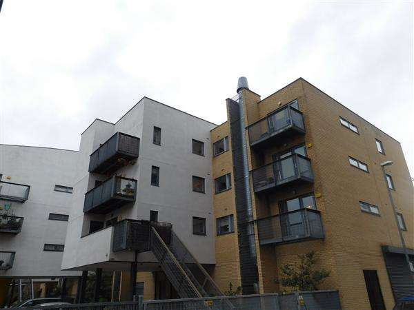2 Bedrooms Apartment Flat for sale in Hulme High Street, Manchester