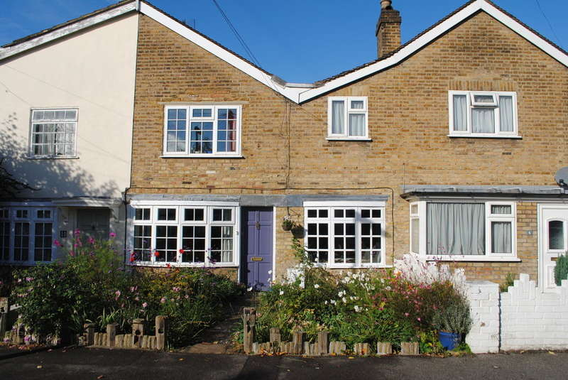 4 Bedrooms House for sale in West Molesey