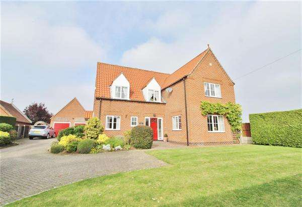 5 Bedrooms Detached House for sale in Cameron House, High Road, Grantham
