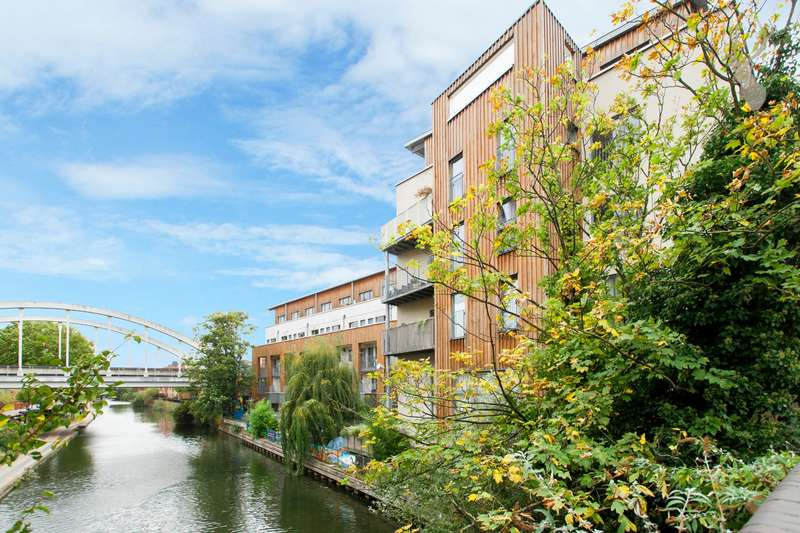 1 Bedroom Flat for sale in Timber Wharf, Kingsland Road, London, E2
