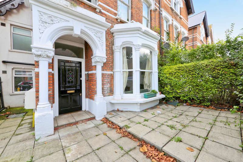 2 Bedrooms Flat for sale in Oakfield Road, N4 4NH