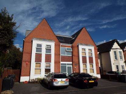 1 Bedroom Flat for sale in 10 Drummond Road, Bournemouth, Dorset