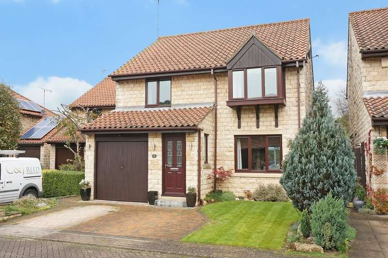 4 Bedrooms Detached House for sale in North Grove Way, Wetherby, LS22