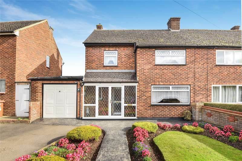3 Bedrooms Semi Detached House for sale in Whitfield Way, Mill End, Rickmansworth, Hertfordshire, WD3