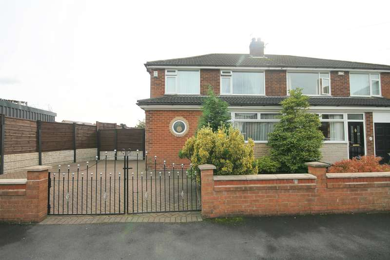 3 Bedrooms Semi Detached House for sale in Dorset Avenue, Farnworth, Bolton, BL4 9TL