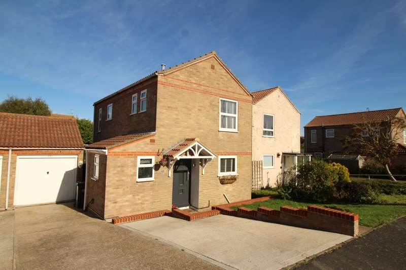 3 Bedrooms Detached House for sale in Ramsay Way, Eastbourne, BN23