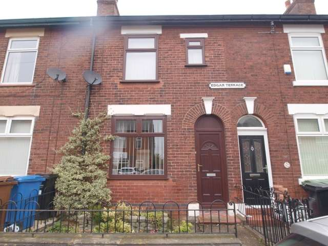 2 Bedrooms Terraced House for rent in Hempshaw Lane, Offerton, Stockport, Greater Manchester, SK2 5TP
