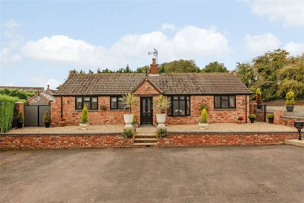 3 Bedrooms Detached Bungalow for sale in Draycott, Claverley, Wolverhampton, Shropshire