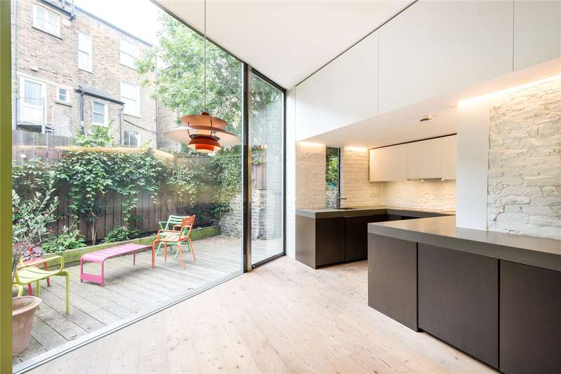 3 Bedrooms Semi Detached House for sale in Bryantwood Road, London, N7